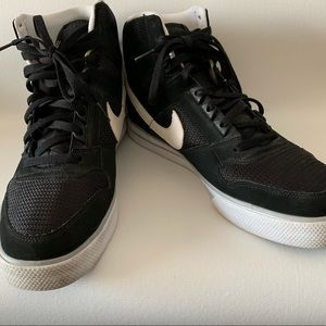 Nike Delta Force Hi Tops size 13